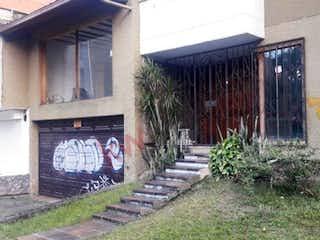 Casa En Venta En Medellin Laureles