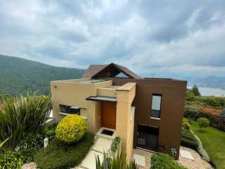 Casa en venta en Vía La Calera de 3 hab. con Bbq...
