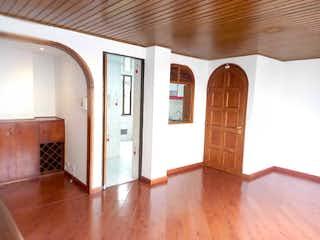 106722 - Apartamento para remodelar, buenos espacios y excelente ubicación.