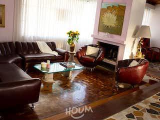 Casa en La Academia, La Academia. 3.0 habitaciones. 304.0 m2