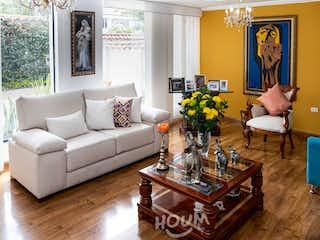 Casa en Pontevedra, La Floresta. 4.0 habitaciones. 350.0 m2