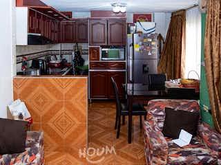 Casa en La Fontana, Suba. 4.0 habitaciones. 110.0 m2