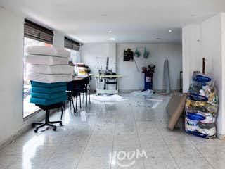 Casa en San Fernando, 12 de Octubre. 2.0 habitaciones. 210.0 m2