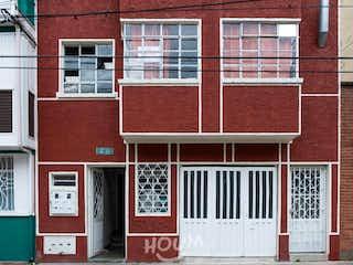 Casa en Restrepo. 8.0 habitaciones. 350.0 m2
