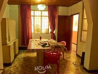 Casa en La Giralda, Fontibón. 8 habitaciones. 327.0 m2