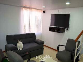 Casa en Techo, Kennedy Central. 3 habitaciones. 75.0 m2
