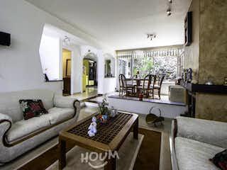 Casa en Pontevedra, La Floresta. 4.0 habitaciones. 180.0 m2