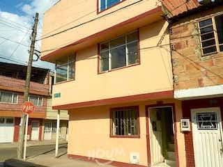 Casa en Atahualpa, Fontibón. 6 habitaciones. 300.0 m2
