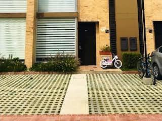 ¡Casa para la Venta! en Conjunto Club House, Cajica