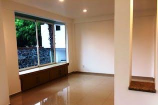 Casa en venta en Los Reyes de 251 mt2. con 3 niveles.