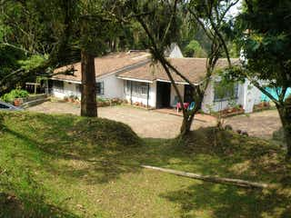 Casa en venta en Casa Blanca Suba con acceso a Jardín