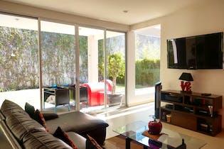 Casa en venta en Res Chiluca de 315mts, dos niveles