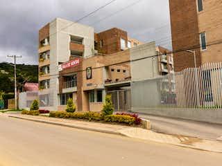 Apartamento en venta en Esmeralda de 3 hab. con Jardín...