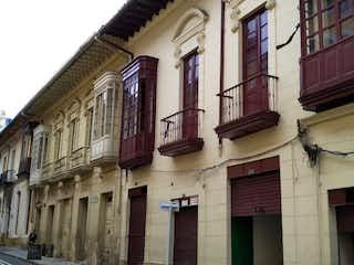 Casa venta- La Candelaria - 934 m2- 3.200 millones