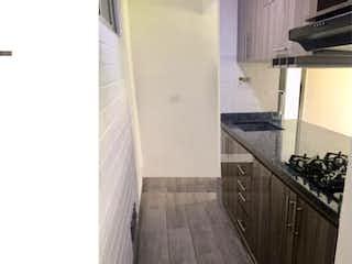 Apartamento en Poblado, Palmas, $ excelente, , amplio balcón , vista a verde, $ 350 / 76.m2, Piscina, Medellin