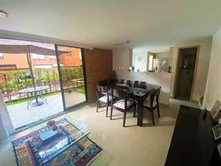 Casa en venta en Loma Del Indio, 145m² con Jardín...
