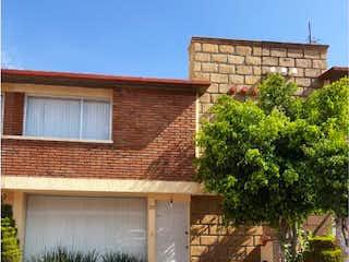 Casa en venta en Fracc Villas Fontana de 127m² con Jardín...