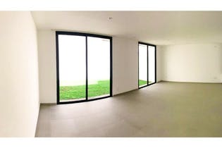 Casa en venta en Lomas Quebradas de 212mts, tres niveles