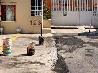Casa en venta en Fracc Cocem, 73m² con Jardín...