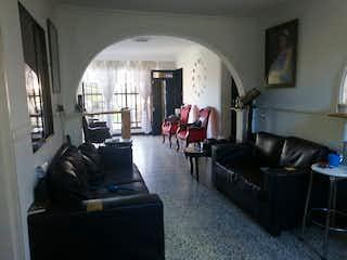 Casa en venta en Girardot de 4 hab. con Balcón...