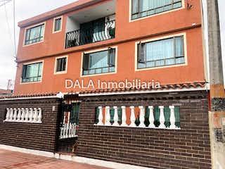 Casa en venta en Casco Urbano Cajicá con acceso a Balcón