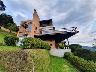 Casa en venta en Aposentos con Jardín...