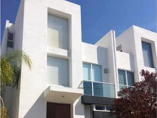 Casa en venta en El Refugio con Bbq...