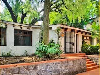 Casa en venta en Las águilas 455m²