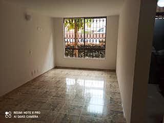 Una ventana que está en una habitación con una ventana en Apartamento En Venta En Bogotá Los Naranjos-Suba