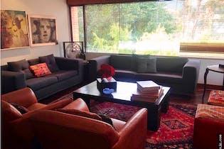 Venta de apartamento en Santa Bárbara, Bogotá, cuenta con 4 habitaciones.