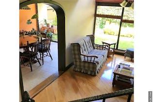 Casa en venta en San Victorino con acceso a Jardín