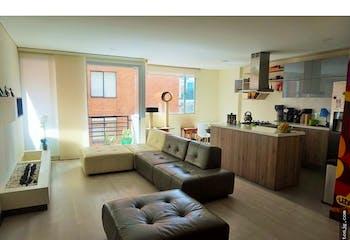 Venta de apartaestudio, chicó, Bogotá, cuenta con 2 garajes en línea y 1 depósito.
