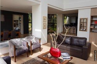 Casa en condominio de 369m2 en La Calera - de dos niveles, con tres habitaciones