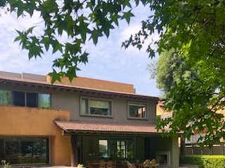 Baja de precio Hermosa Residencia en Fraccionamiento Hacienda Santa Fe