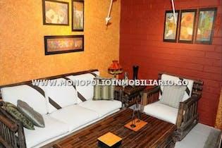 Casa Campestre en El Trianon, Envigado - 380mt, cinco alcobas,