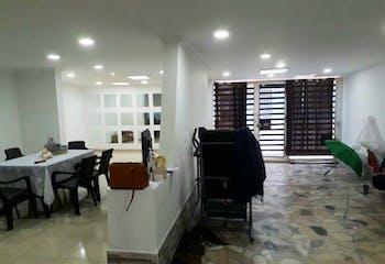 Casa En Bogota Santa Isabel- cuenta con tres pisos y cada piso con tres alcobas