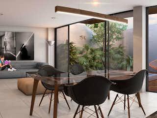 Una sala de estar llena de muebles y una gran ventana en Guanajuato 238