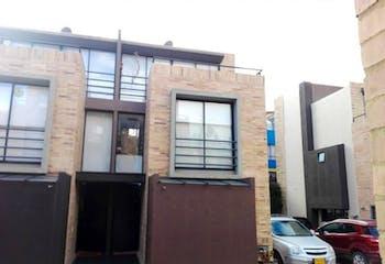Casa En Venta En La Calera, cuenta con 3 habitaciones.