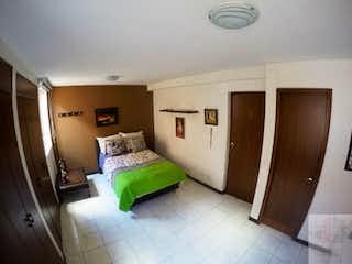 Una habitación con una cama y una cama en ella en Casa en Belén la Palma.- 4 alcobas