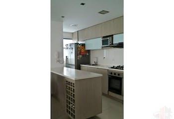 Se vende apartamento en Envigado-Loma del chocho, cuenta con 3 habitaciones.