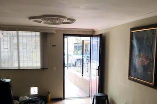 Casa En Medellin-Santa Fe, cuenta con 3 niveles y 4 habitaciones.