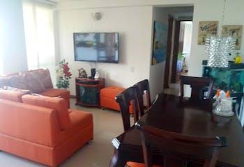 Apartamento En Medellin Los Colores, cuenta con 3 habitaciones.