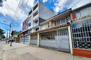Casa En Venta En Bogota Santa Isabel, Ocho Alcobas