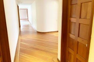 Apartamento En Venta En Bogota-El Nogal, cuenta con 3 habitaciones.