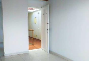 Apartamento En Venta En Bogota Colina Campestre I Y II Etapa, cuenta con 3 habitaciones.