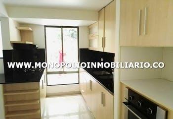 CASA PARA LA VENTA EN MEDELLIN - EL POBLADO, Cuenta con 3 habitaciones.