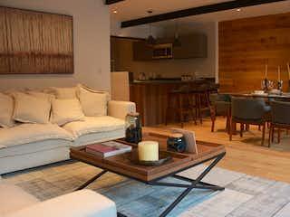 Una sala de estar llena de muebles y una mesa en Arquímedes 138