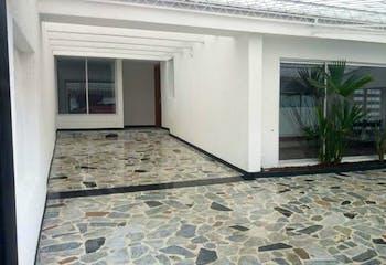 Casa en venta en Barrio Modelia de 3 habitaciones