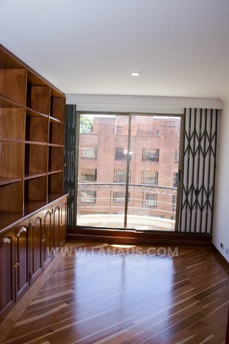 Foto 11 de Apartamento En Venta En Bogota Santa Barbara -Usaquén, Tres Alcobas, 164 mts