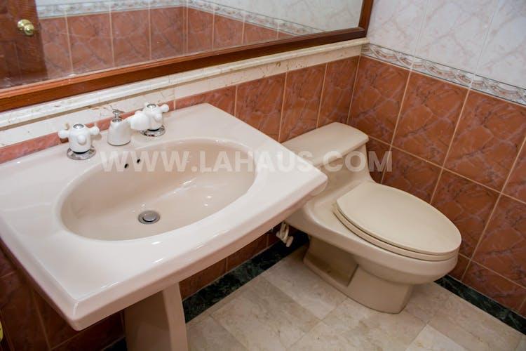 Foto 16 de Apartamento En Venta En Bogota Santa Barbara -Usaquén, Tres Alcobas, 164 mts